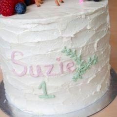 Elegant kids cake