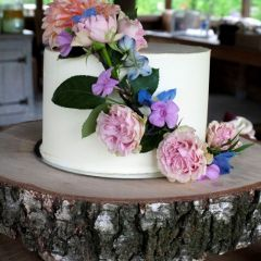 Simple weddingcake